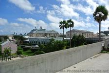 View of cruise ship from Bermuda Maritime Museum NW Rampart.jpg